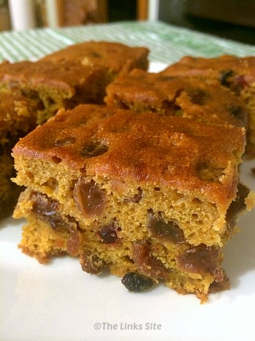 This Pumpkin Fruit Cake is a luscious snack cake that is almost irresistible! thelinkssite.com