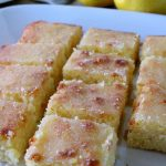 Delicious Lemon Cake with Lemon Drizzle Topping! thelinkssite.com
